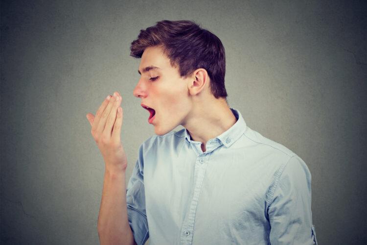 Alitosi e disturbi ai denti